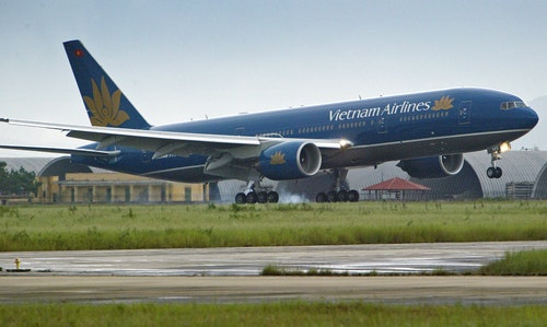 NEW VIETNAM AIRLINE BOEING 777