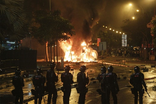 SINGAPORE - LITTLE INDIA - RIOT