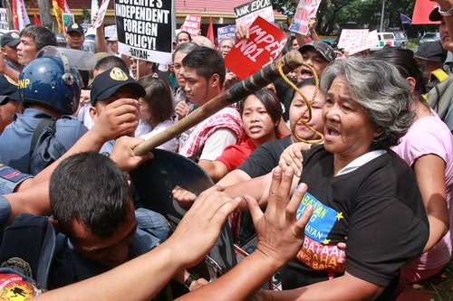 ka_inday_faces_off_against_police