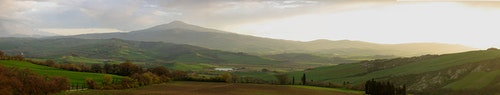 1200px-Val_D'Orcia1