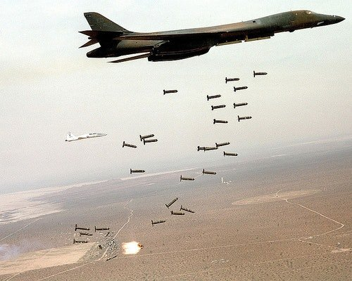 750px-B1-B_Lancer_and_cluster_bombs