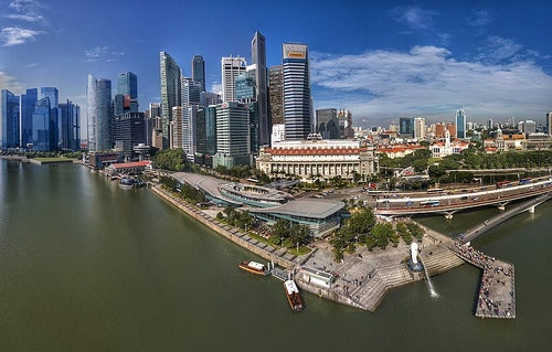 800px-Aerial_Panorama_of_Merlion_Park_an