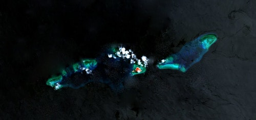 Thitu_Island___Reefs,_Spratly_Islands